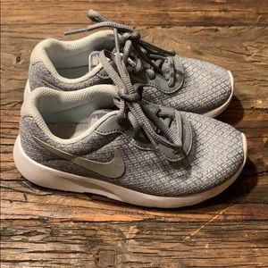 Toddler NIKE sneakers size 11 gray/silver